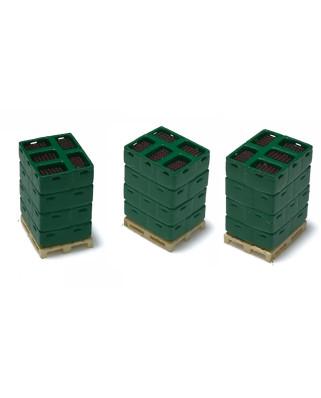 3 palés con cajas de botellas - verde